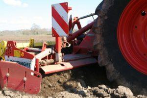 Préparation du sol parcelle de maïs